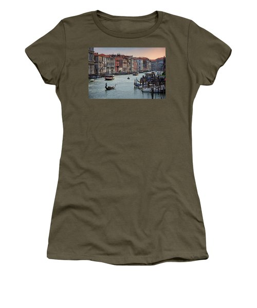 Grand Canal Gondolier Venice Italy Sunset Women's T-Shirt