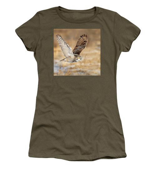 Great Horned Owl In Flight Women's T-Shirt