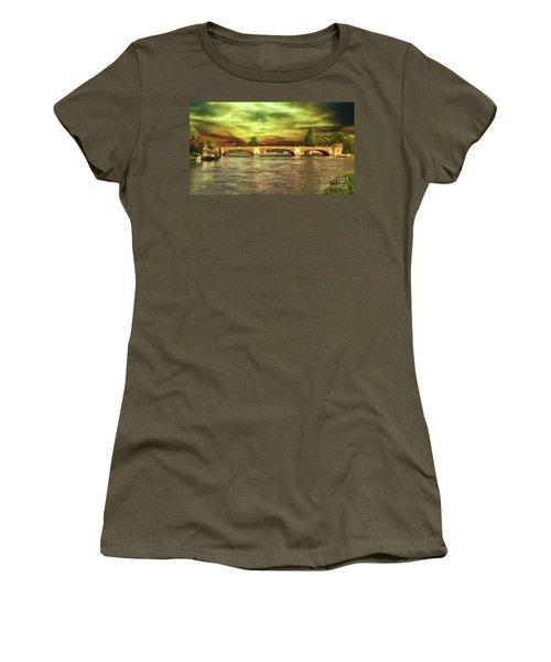 Women's T-Shirt featuring the photograph Hampton Court Bridge by Leigh Kemp