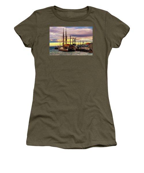 Hokulea Docked Women's T-Shirt
