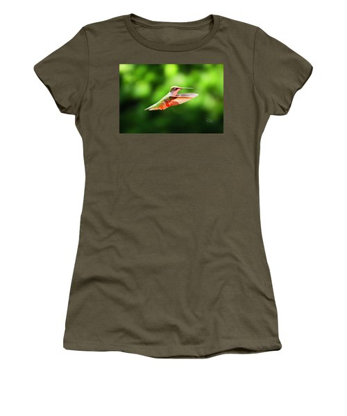 Hummingbird Flying Women's T-Shirt