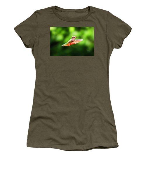 Hummingbird Flying Women's T-Shirt
