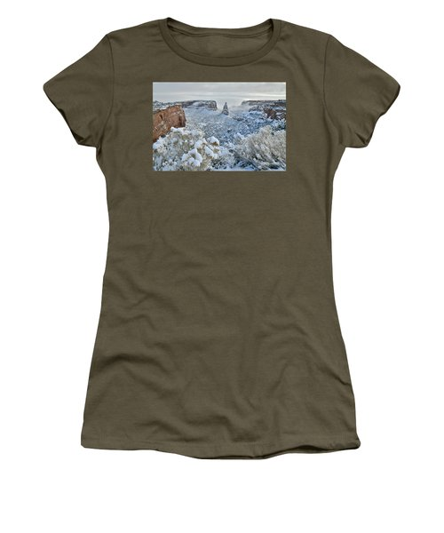 Independence Monument In Snow Women's T-Shirt