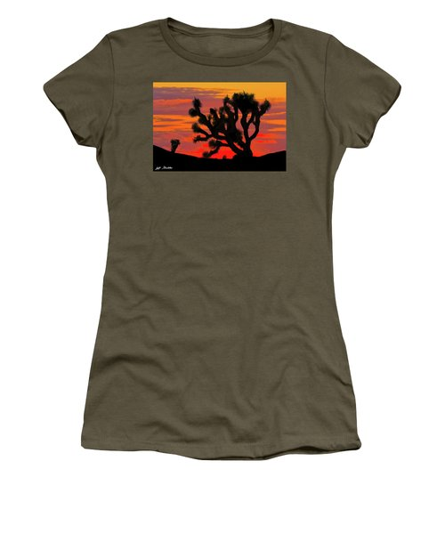 Joshua Tree At Sunset Women's T-Shirt