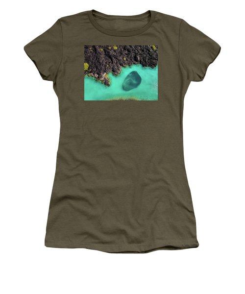 Kiholo Bay Bait Ball Women's T-Shirt