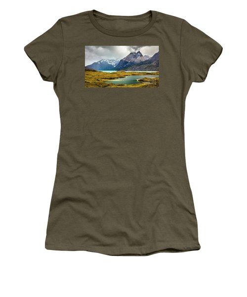 Laguna Larga, Lago Nordernskjoeld, Cuernos Del Paine, Torres Del Paine, Chile Women's T-Shirt