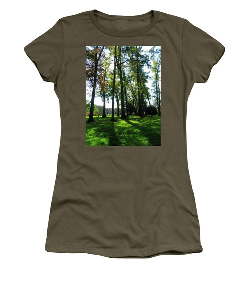 Lulling In The Day Women's T-Shirt