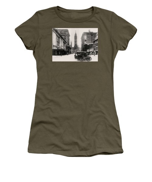 Lyric Theatre Women's T-Shirt