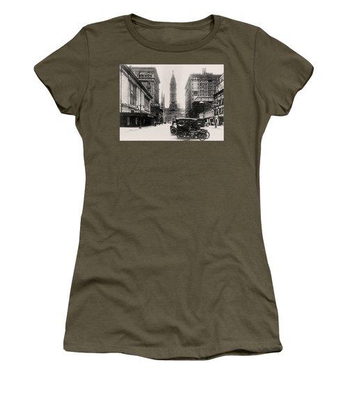Lyric Theatre Women's T-Shirt