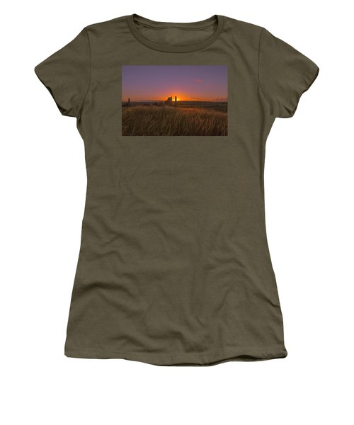 Magpie Mine Sunset Women's T-Shirt