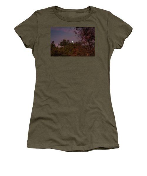 Marvelous Moonrise Women's T-Shirt