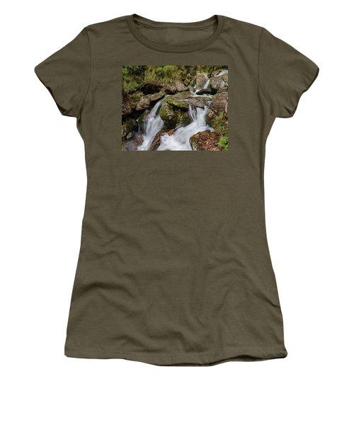 Medium Cascade Women's T-Shirt