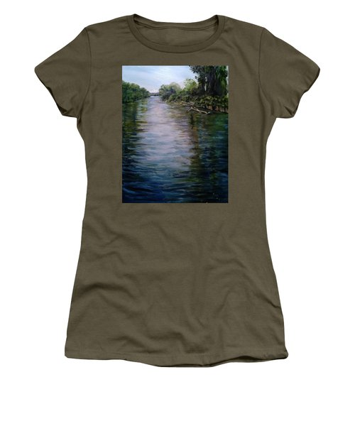 Mount Baker Peekaboo View From Lowell Riverfront Trail Women's T-Shirt