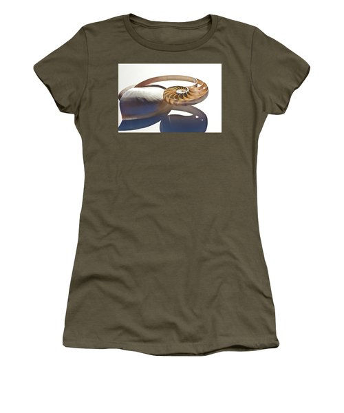 Nautilus 0469 Women's T-Shirt