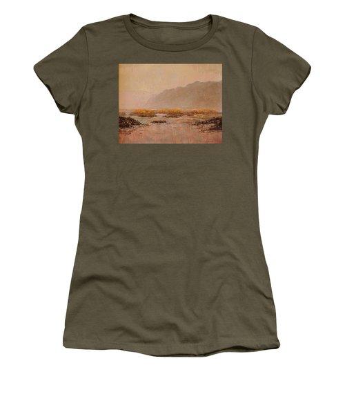 Oyster Beds Emerging Women's T-Shirt