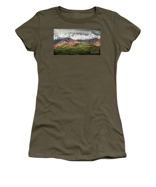 Polychrome Mountain, Denali Np, Alaska Women's T-Shirt