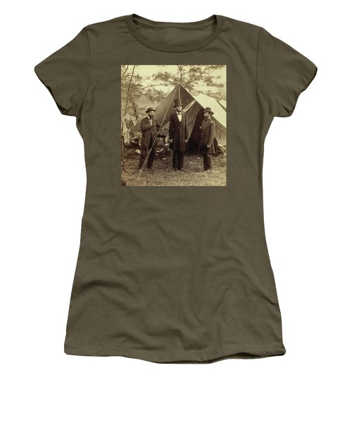 President Lincoln, United States Headquarters, Army Of The Potomac, Near Antietam Women's T-Shirt