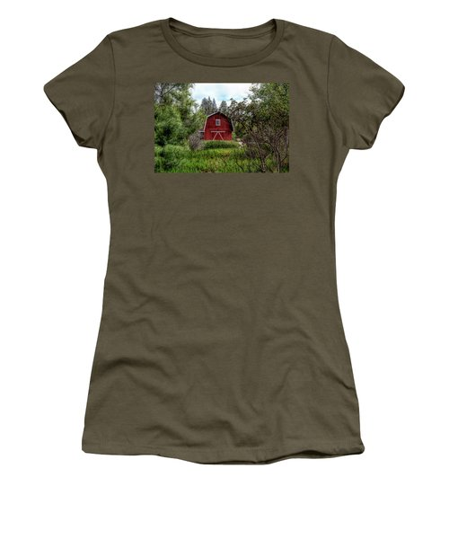 Red House Over Yonder Women's T-Shirt
