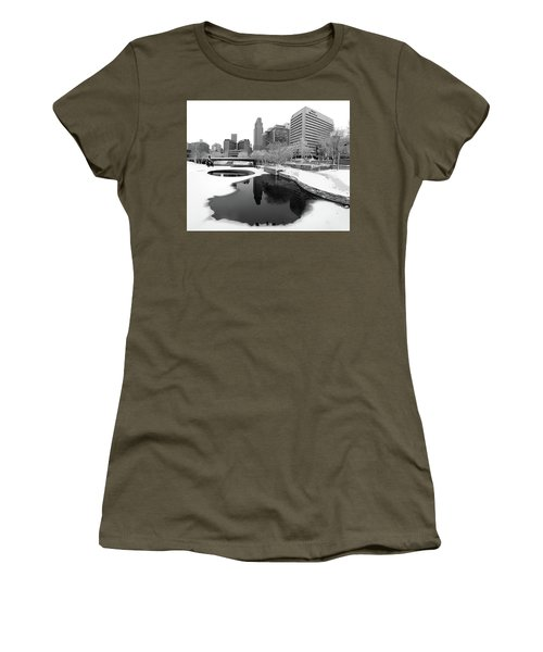 Reflection Of Omaha - Winter - Black And White Women's T-Shirt