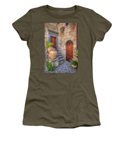 Romantic Courtyard Of Tuscany Women's T-Shirt