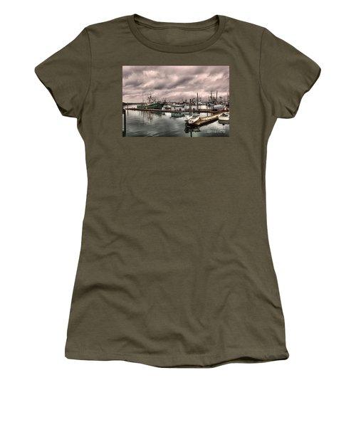 Slow Day At Illwaco Women's T-Shirt