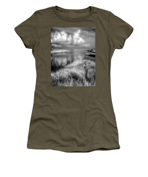 Smooth Waters Bw Women's T-Shirt
