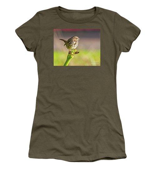 Songster Perching Women's T-Shirt