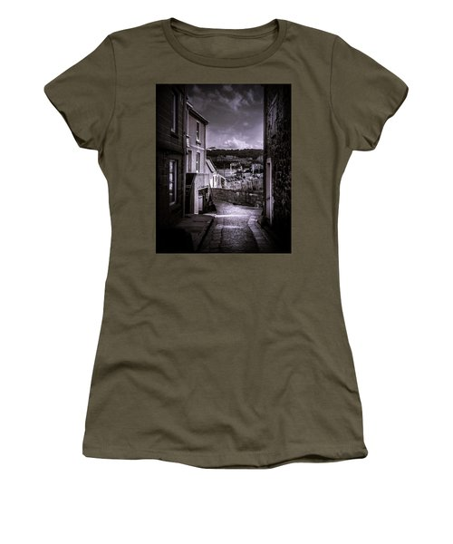 St Ives Street Women's T-Shirt