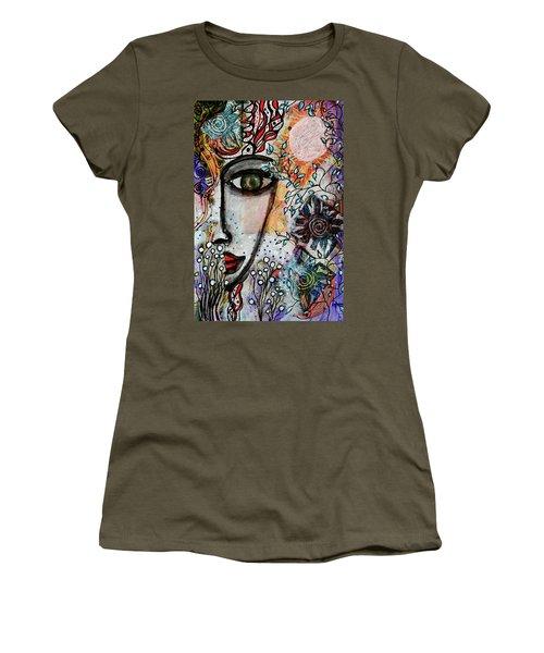 The Observer Women's T-Shirt