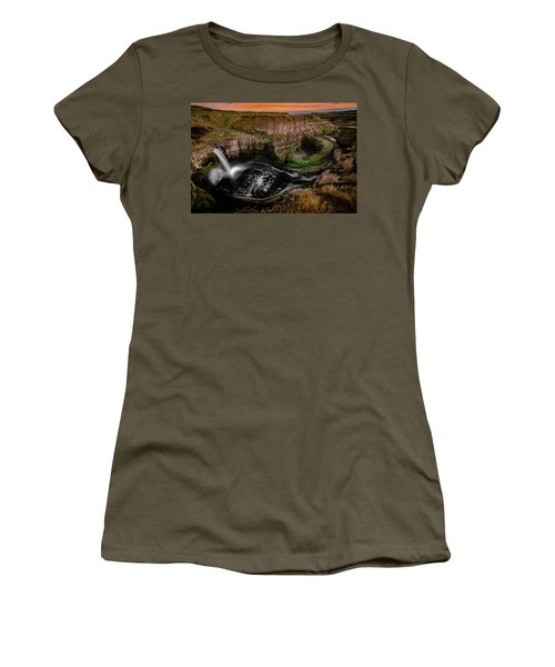 Women's T-Shirt featuring the photograph The Palouse by Francisco Gomez