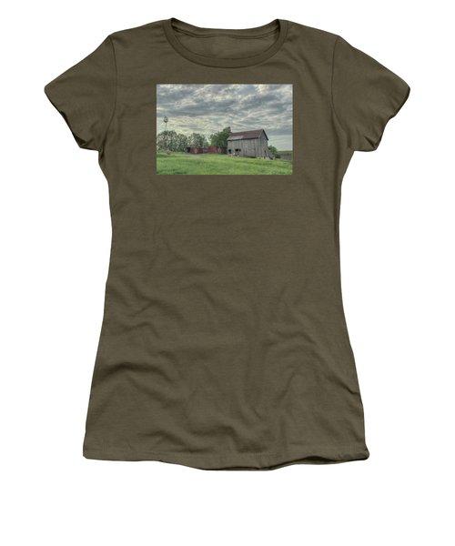 Train Cars And A Barn Women's T-Shirt
