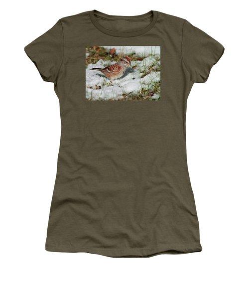 Tree Sparrow In Snow Women's T-Shirt