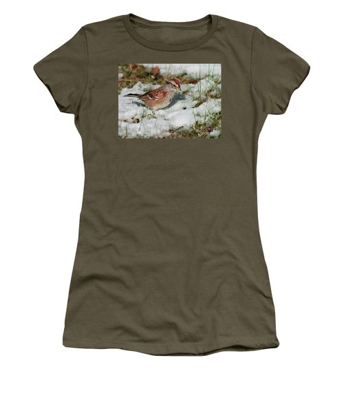 Tree Sparrow In Snow Women's T-Shirt