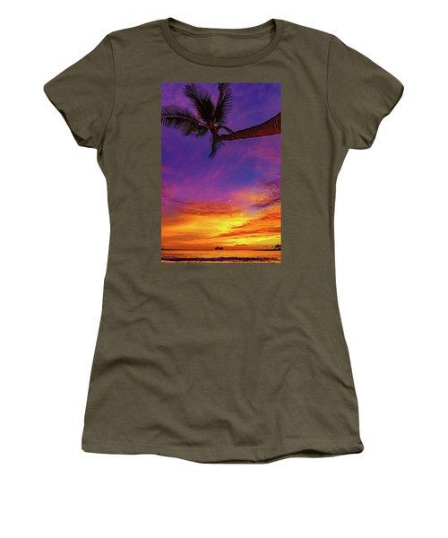 Vibrant Kona Inn Sunset Women's T-Shirt