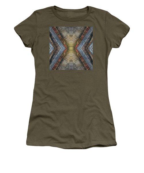 Vintage Beer Barrel Pattern  Women's T-Shirt