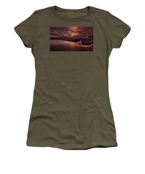 Wave At The Pier Women's T-Shirt