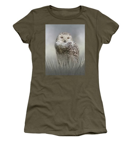 White Beauty In The Field Women's T-Shirt