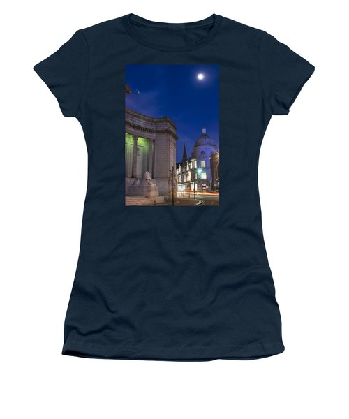Aberdeen Art Gallery Women's T-Shirt (Athletic Fit)