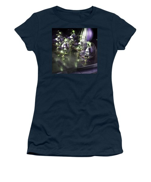 Aubergine Paris Wine Glasses Women's T-Shirt (Athletic Fit)