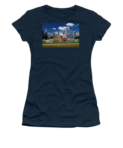 Chicago Skyline Grant Park Fountain Clouds Women's T-Shirt