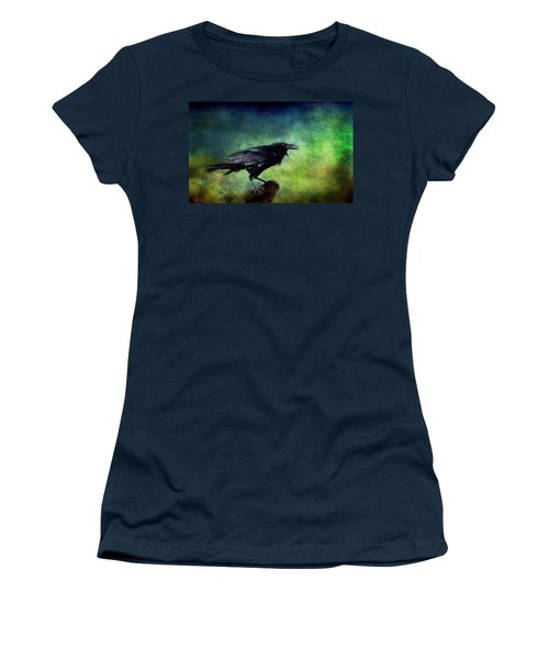 Common Raven Women's T-Shirt (Athletic Fit)