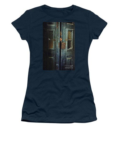 Door Peeking Women's T-Shirt