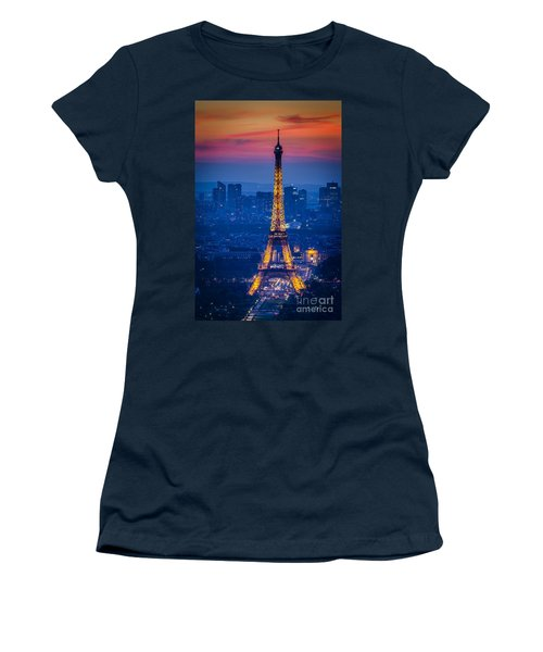 Women's T-Shirt featuring the photograph Eiffel Tower At Twilight by Brian Jannsen