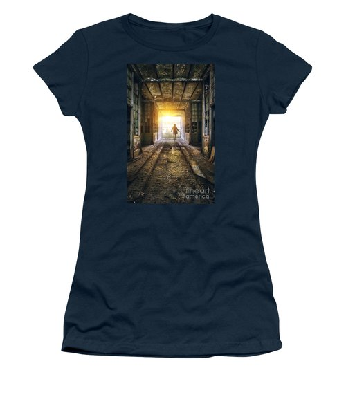Factory Chase Women's T-Shirt (Athletic Fit)