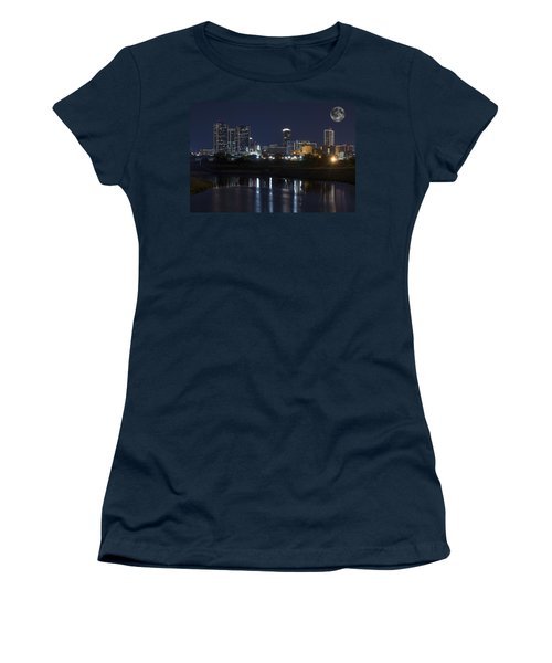 Fort Worth Skyline Super Moon Women's T-Shirt (Athletic Fit)