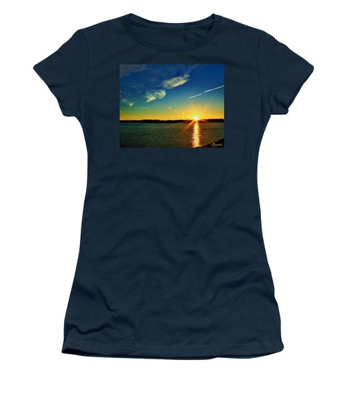 Gc Lake Sunrise Women's T-Shirt (Athletic Fit)