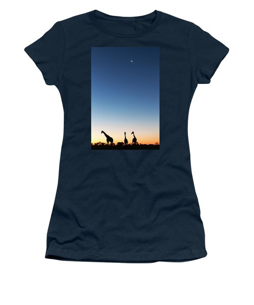 Giraffe, Makgadikgadi Pans National Women's T-Shirt