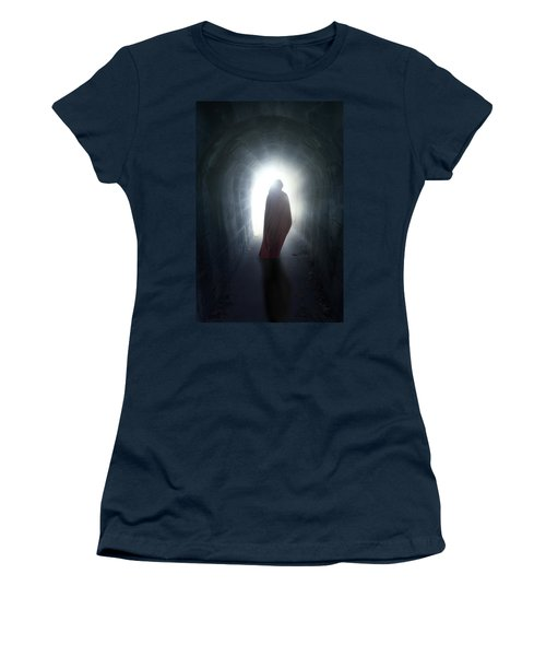Guise In Tunnel Women's T-Shirt
