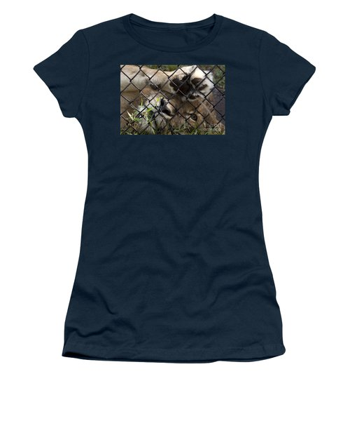I Want To Go Home - Female African Lion Women's T-Shirt