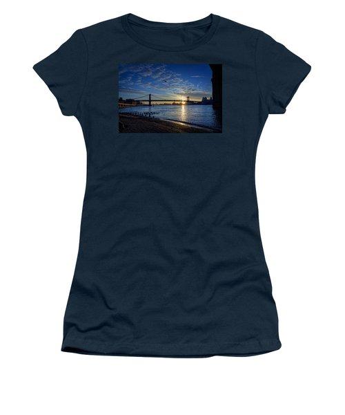 Manhattan Sunset Women's T-Shirt